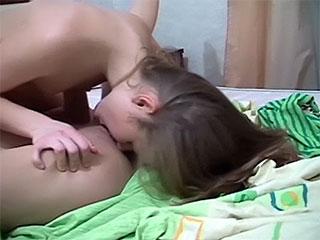 Die freie Metro: die Teenager anale Videos des Pornos.